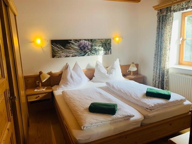 schlafzimmer-app-2-zirbe